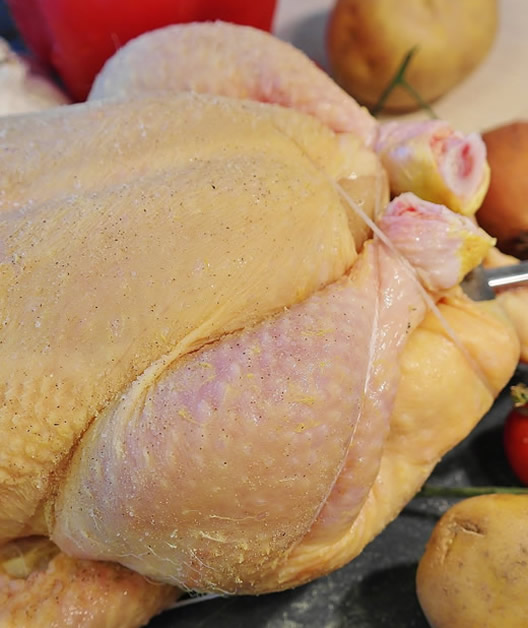 Pollo fresco, entero, por presas